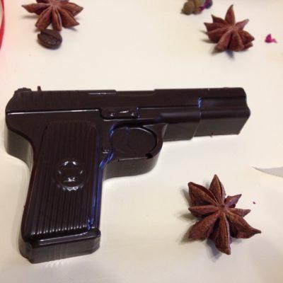 "шоколадная фигурка ""пистолет"", 60 гр."