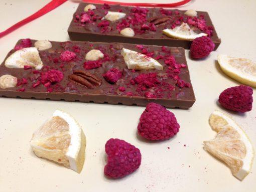 Плитки из молочного шоколада с малиной и лимоном , 100 гр.